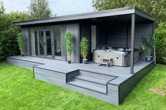 Hot Tub Garden Studio Cardiff